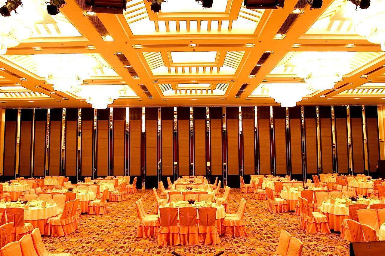 Egood movable partition in banquet hall