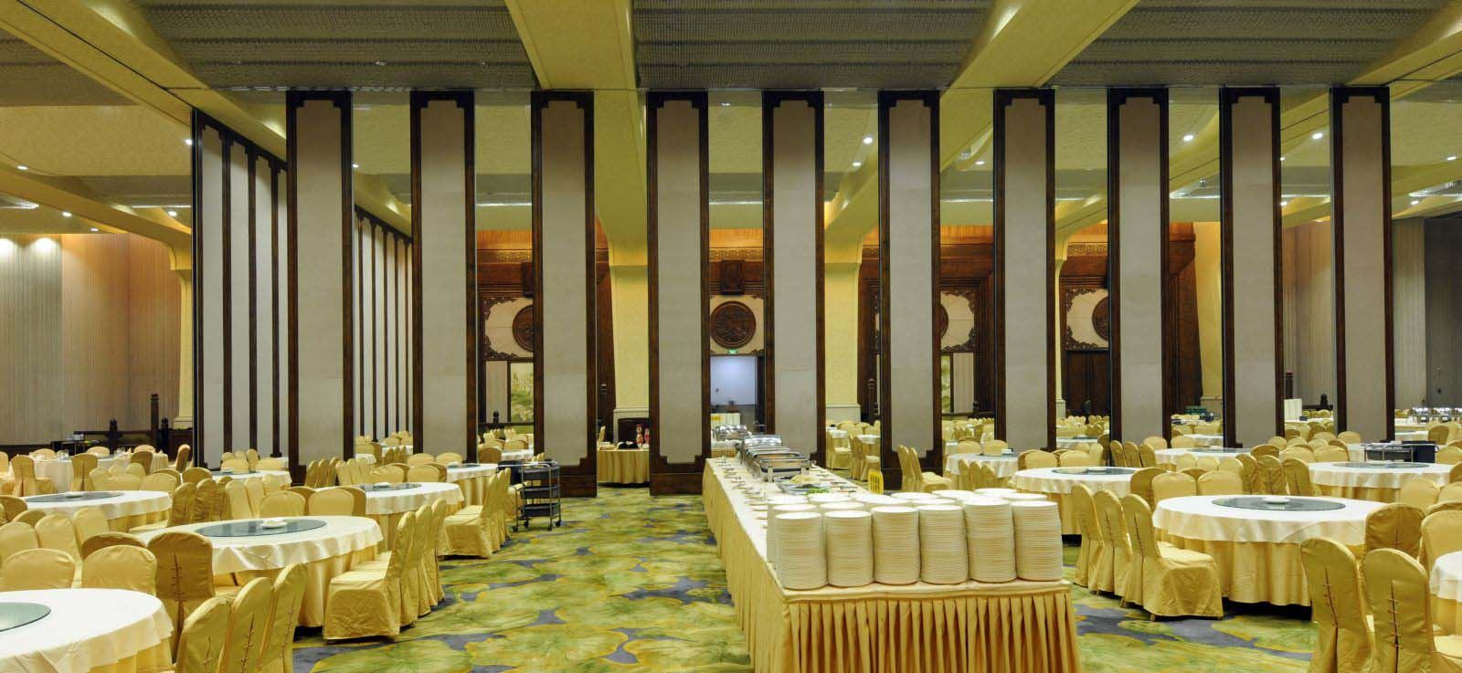banquet hall partition wall
